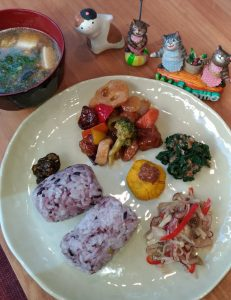 pict of workshop lunch2